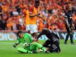 Spor Toto Süper Lig: Galatasaray: 1 - Beşiktaş: 0 (İlk yarı)