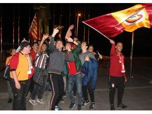 Galatasaray'ın galibiyetini turistler de kutladı