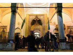 Batı Balkanlar'da ilk teravih namazı kılındı