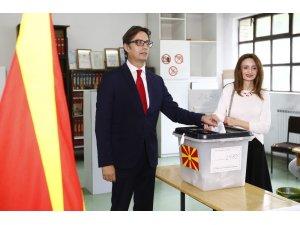 Kuzey Makedonya halkı yeni Cumhurbaşkanı olarak Stevo Pendarovski'yi seçti