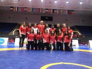 Genç Kadınlar Romanya'da ikinci oldu