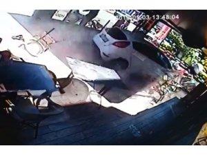Otomobilin kafeye daldığı feci kazanın görüntüleri ortaya çıktı
