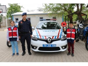 Jandarma Trafik Haftasını öğrenciler ile kutladı