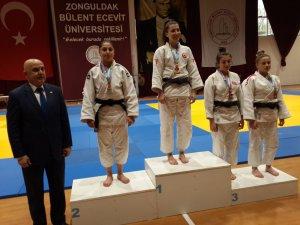 Cumhuriyet Üniversitesinden judoda derece