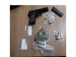 Kuşadası'nda iki uyuşturucu operasyonunda 5 kişi gözaltına alındı