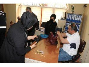 Manisa Büyükşehir zabıtasından dilenci operasyonu