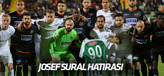 Maçta Josef Sural hatırası