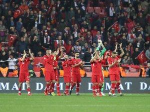 A Milli Futbol Takımı, Yunanistan ve Özbekistan ile karşılaşacak