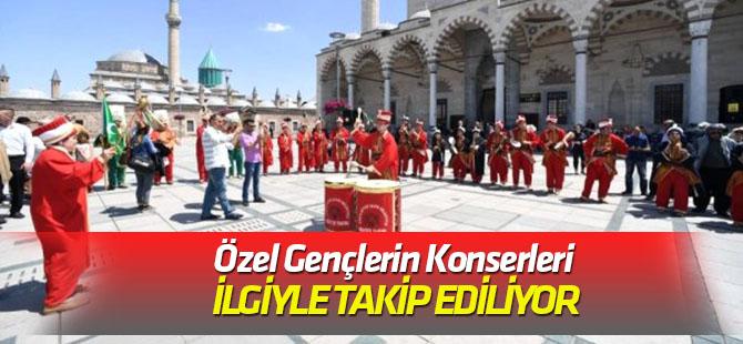 Konya'da Özel Gençler Mehter Takımı'nın Konserleri İlgiyle Takip Ediliyor