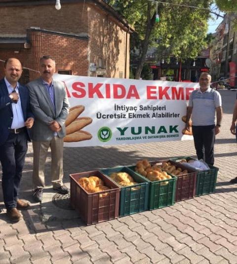 Yunaklılardan askıda ekmek kampanyası