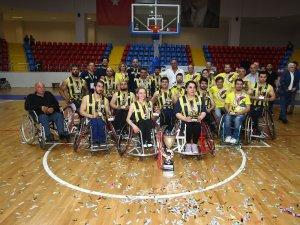 1907 Fenerbahçe Engelli Yıldızlar şampiyon