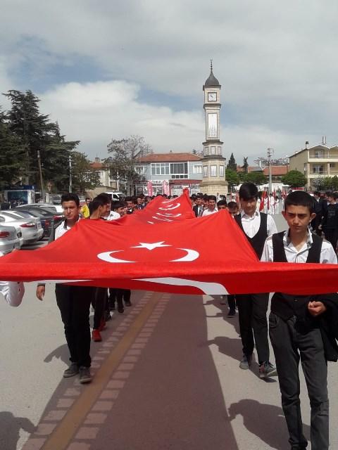 Yunak'ta gençlik yürüyüşü yapıldı