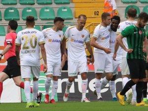 Kravets 1 ay sonra gol attı