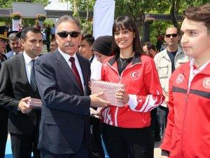 Beyza Halvacıay'a ödül