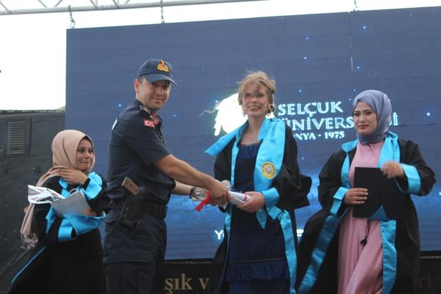Yunak Meslek Yüksekokulunda mezuniyet töreni