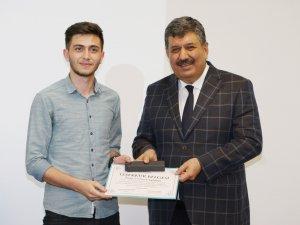 KTO Karatay'da öğrenci toplulukları ve spor takımları ödüllendirildi