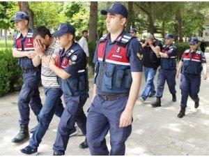 Aydın'da dolandırıcılık olayına karışan şahıslar Denizli'de yakalandı