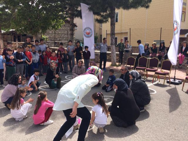 Derebucak'ta okul dışarıda günü etkinlikleri