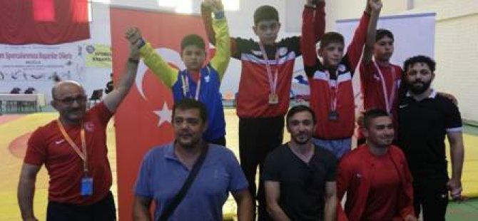 Meram Belediyesporlu güreşçilerden başarılı sonuçlar