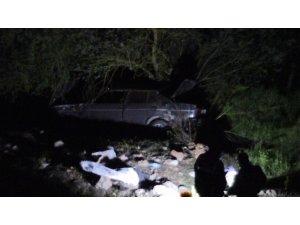 Otomobil uçuruma yuvarlandı: 1 ölü 1 yaralı