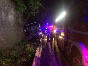 Düzce'de yolcu otobüsü traktörle çarpıştı: 1 ölü, 12 yaralı
