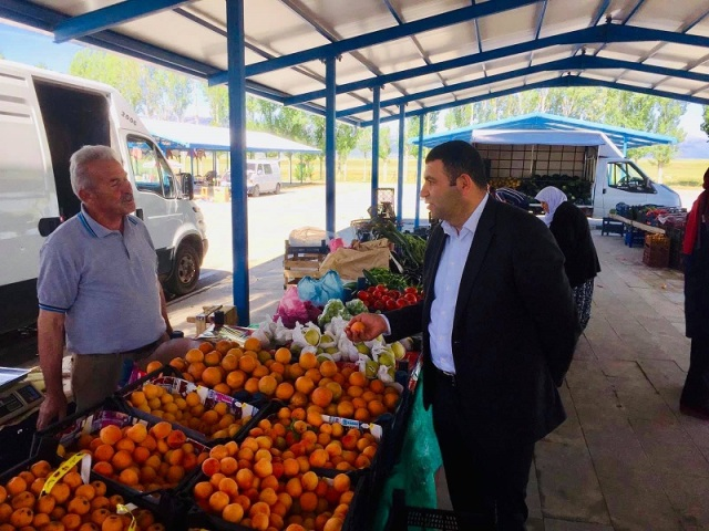 Yalıhüyük Kaymakamı Kılınç'tan pazarcı esnafına ziyaret