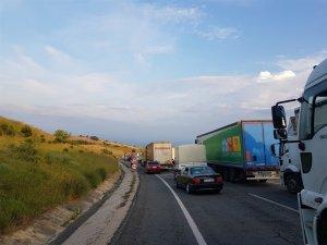 Yağmur Yalova-Bursa yolunda kazaya neden oldu: 1 yaralı