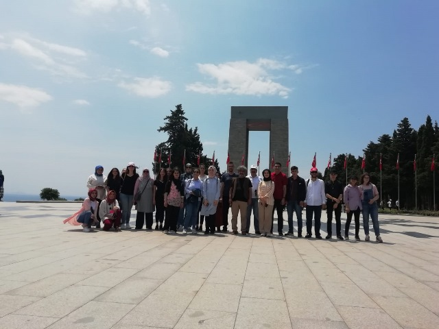 AKİP öğrencilerine Çanakkale ve Bursa gezisi