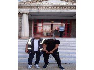 Didim'de hırsızlık şüphelisi suçüstü yakalandı