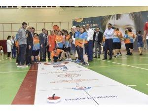 Gönüllerin Birincileri Yarışıyor Floor Curling Şampiyonası