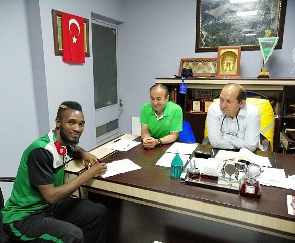 Konya Engelliler Gücü'nde imzalar peşpeşe