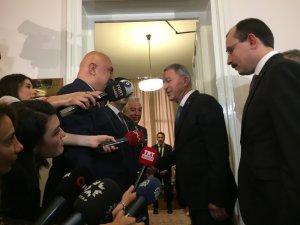 Milli Savunma Bakanı Hulusi Akar CHP grubunu ziyaret etti