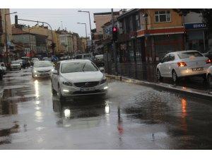 Karapınar'da yağmur etkili oldu