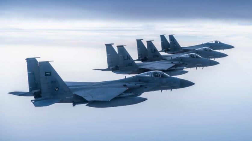 Suudi Arabistan ve ABD uçakları Basra Körfezi'nde ortak uçuş yaptı