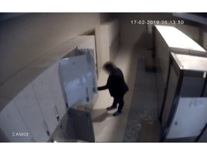 Otellerin SPA merkezine dadanan hırsız kamerada