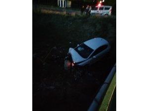 Direksiyon hâkimiyetini kaybedince aracı köprüden kanala uçtu