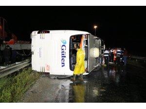 Yozgat'ta yolcu otobüsü devrildi: 15 yaralı