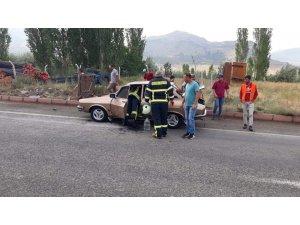 Otomobilde çıkan yangını itfaiye söndürdü