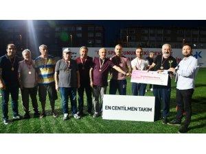 Küçükçekmece Emektarlar Ligi'nin şampiyonu Fatihanspor oldu