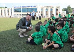 Adapazarı futbol okulu açıldı