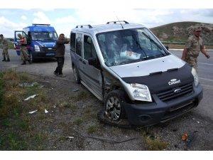 Şarkışla'da trafik kazası: 2 yaralı