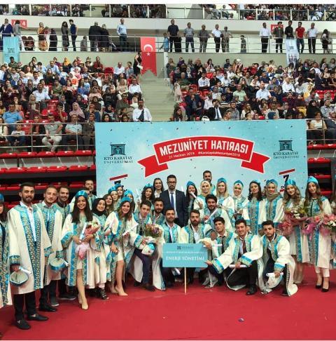 KTO Karatay Üniversitesi Enerji Yönetimi mezunlarının sevinci