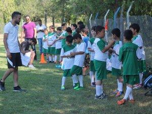 Ereğlispor Futbol Okulu çalışmalarını sürdürüyor
