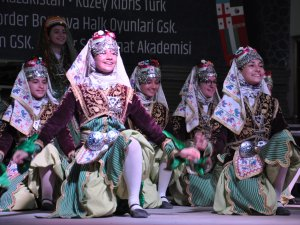 Akşehirli çocuklar Karagöz ve Hacivatla eğlendi