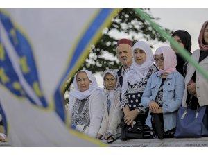 """""""Barış Yürüyüşü"""" Potoçari Anıt Mezarlığı'nda sona erdi"""