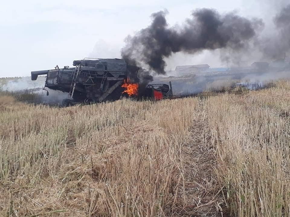 Konya'da biçerdöver yangını: Ekili alan da yandı!