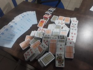 Niğde polisinden bağ evine kumar baskını