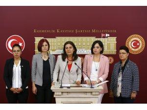 """CHP'li kadın milletvekillerinden """"kadın üniversitesi"""" eleştirisi"""
