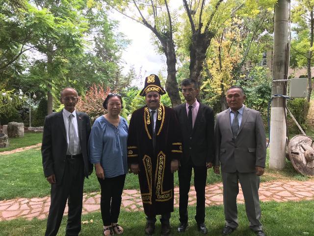 Kazaklardan Başkan Oflaz'a ziyaret