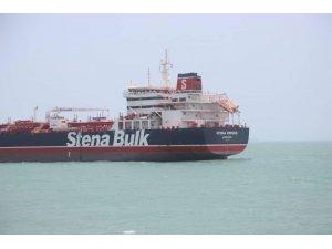 """İngiltere'den İran'a uyarı: """"Karanlıktan çıkmak için petrol tankerini serbest bırakın"""""""